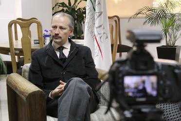 Mtro. Juan Manuel MArtínez Louvier en una entrevista