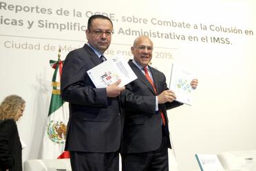 Germán Martínez, Director general del IMSS, y Ángel Gurría, Secretario General OCDE, presentan reportes.