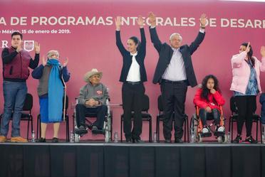 El presidente Andrés Manuel López Obrador participó en la entrega de Programas en la Ciudad de México