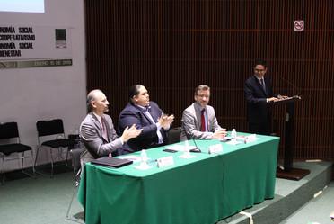 Juan Manuel Martínez Louvier, Luis Mendoza Acevedo y Gerd Hans Weissbach reunidos en el Congreso de la Unión.