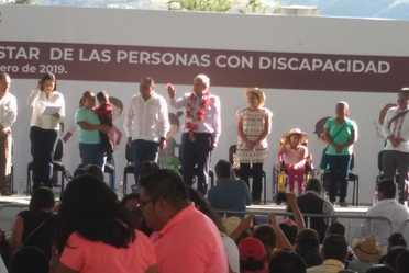 Lic.Andrés Manuel López Obrador, Presidente de la República, Héctor Astudillo, Gobernador de Guerrero y Ma. Luisa Albores, Secretaria de Bienestar.