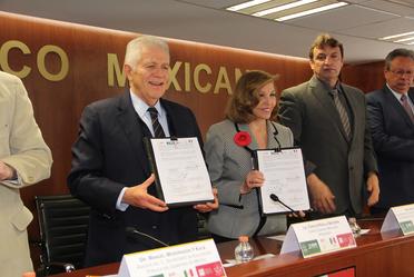 Firma de convenio con el Movimiento Olímpico Mexicano y la SEP