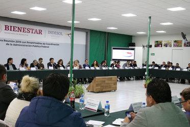 Fotografía de representantes de entidades y dependencias de la APF durante la primera reunión para coordinar el Informe Anexo de la Cuenta Pública 2018
