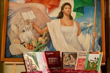 Pintura La Patria de Jorge González Camarena, que ilustró la portada de los Libros de Texto Gratuitos