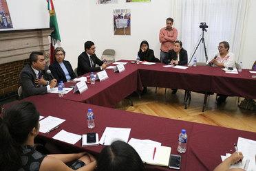 Funcionarios del INM y la COMAR se reúnen con representantes de OSC para informar sobre los trámites migratorios