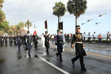 Desfile de la Delegación representativa de las Fuerzas Armadas Mexicanas en el CLXXV Aniversario de la Independencia de la República Dominicana
