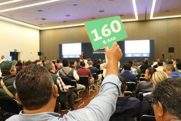 Imagen de los participantes que asistieron a la subasta en Puebla