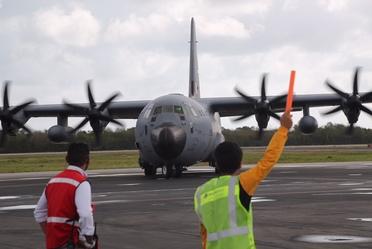 Avión cazahuracanes llegando al aeropuerto de Cozumel