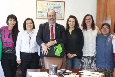 El Secretario General del CONAPO, Dr. Carlos Javier Echarri Cánovas, con integrantes del Instituto De Liderazgo Simone de Beauvoir