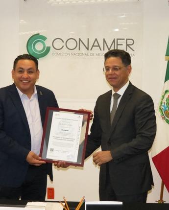 Entrega del Certificado PROSARE al municipio de Uruapan, Michoacán