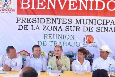 Director General Ramón Sandoval Noriega realiza gira por el sur de Sinaloa.
