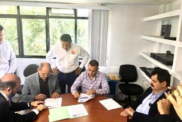 Firman Convenio de Colaboración Director General CONAZA Ramon Sandoval y Secretario de Agricultura y Desarrollo Rural Jalisco Alberto Esquer Gutiérrez, para conjuntar acciones