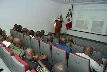 """""""Curso 27 del Colegio de Defensa Nacional de Nigeria""""."""