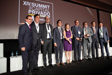 El Director General de Banobras, Jorge Mendoza Sánchez, acudió al evento XIV Summit de Capital Privado, AMEXCAP
