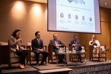 """El Director General de Banobras, Jorge Mendoza Sánchez, acudió al Foro """"Alternativas para detonar la infraestructura en México"""", organizado por Fitch Ratings."""