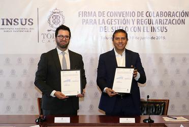 Firman INSUS y municipio de Toluca convenio de colaboración para la regularización de suelos