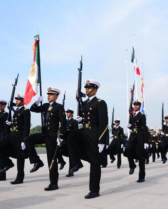 Ceremonia de Graduación del personal de Cadetes de la Escuela Médico y Enfermería Naval