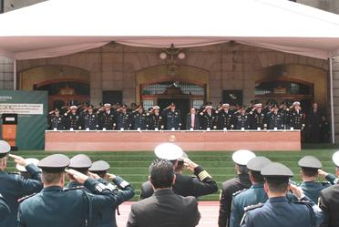Presidium en la Escuela Superior de Guerra
