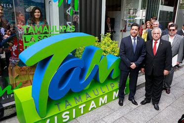 El Secretario de Turismo Miguel Torruco Marqués y le Gobernador del estado Francisco García Cabeza de Vaca en la inauguración de la nueva campaña del estado de Tamaulipas, la Nueva Sorpresa de México