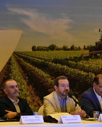 Firma de Contrato para Fondo de Aseguramiento Agropecuario en Aguascalientes.