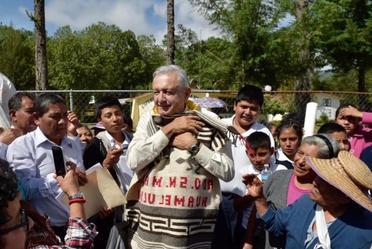 El presidente de México, Andrés Manuel López Obrador, durante su visita al hospital rural Tlaxiaco, en Oaxaca.