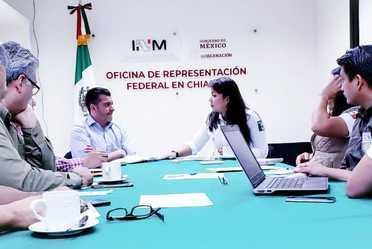 """El INM en Chiapas implementará con la Secretaria de Trabajo de la entidad, el """"Plan de Vinculación Laboral"""" para las personas migrantes."""