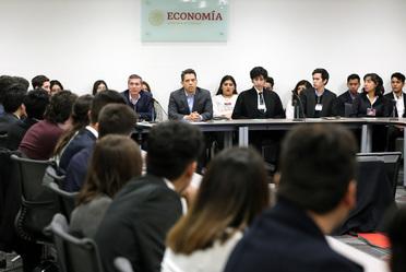 2020-ene-23, Reunión con estudiantes de la carrera de Economía de la Universidad Autónoma de Nuevo León