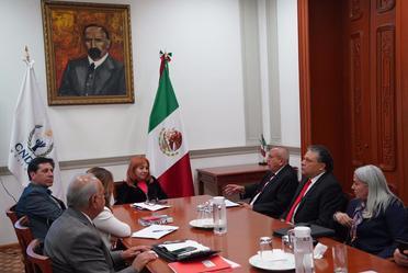 Reunión de trabajo entre titulares de la CNDH y del INM