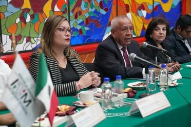 Reunión de trabajo con integrantes de la Comisión de Asuntos Migratorios de la Cámara de Diputados con el Comisionado del INM