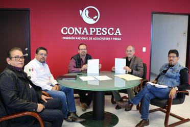Las comisiones nacionales de Acuacultura y Pesca (Conapesca) y de Zonas Áridas (Conaza) firmaron un convenio que posibilitará impulsar la acuacultura en las zonas áridas del país.