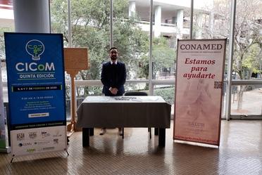 Lic. C. Gabriel Arreguín Lira atendió el stand que la CONAMED instaló en el CICoM 2020, con sede en la Facultad de Medicina de la UNAM.