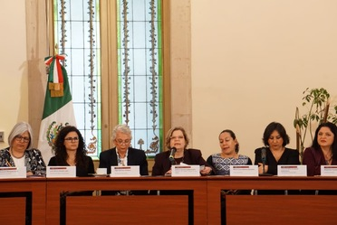 Conferencia de prensa sobre políticas y acciones a favor de mujeres y niñas para erradicar la violencia.