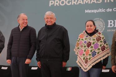 El presidente de México, Andrés Manuel López Obrador, durante la entrega de Programas Integrales para el Bienestar, desde Mexquitic de Carmona, San Luis Potosí.