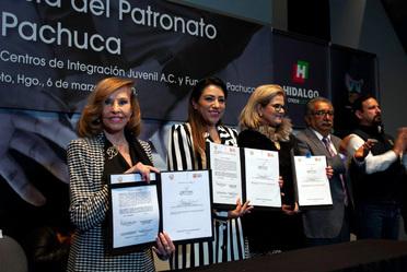 """""""Firma convenio Fundación Pachuca y CIJ"""""""