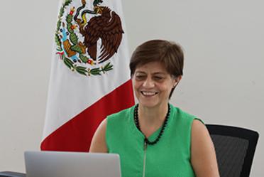 """Fotografía de la Directora General de la Conagua, Blanca Jiménez Cisneros, durante la videoconferencia """"Presentación del documento Reflexiones derivadas del Coronavirus""""."""