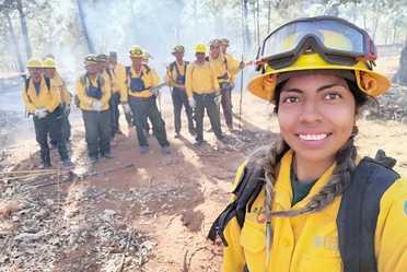 Combatientes de incendios forestales.