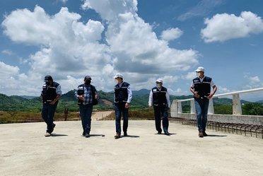 El Director General de Banobras, Jorge Mendoza, acudió al recorrido de supervisión de los trabajos de construcción en la Autopista Barranca Larga-Ventanilla