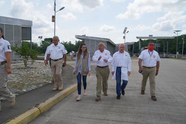 Reunión del Comisionado del INM con la titular del DIF en Chiapas