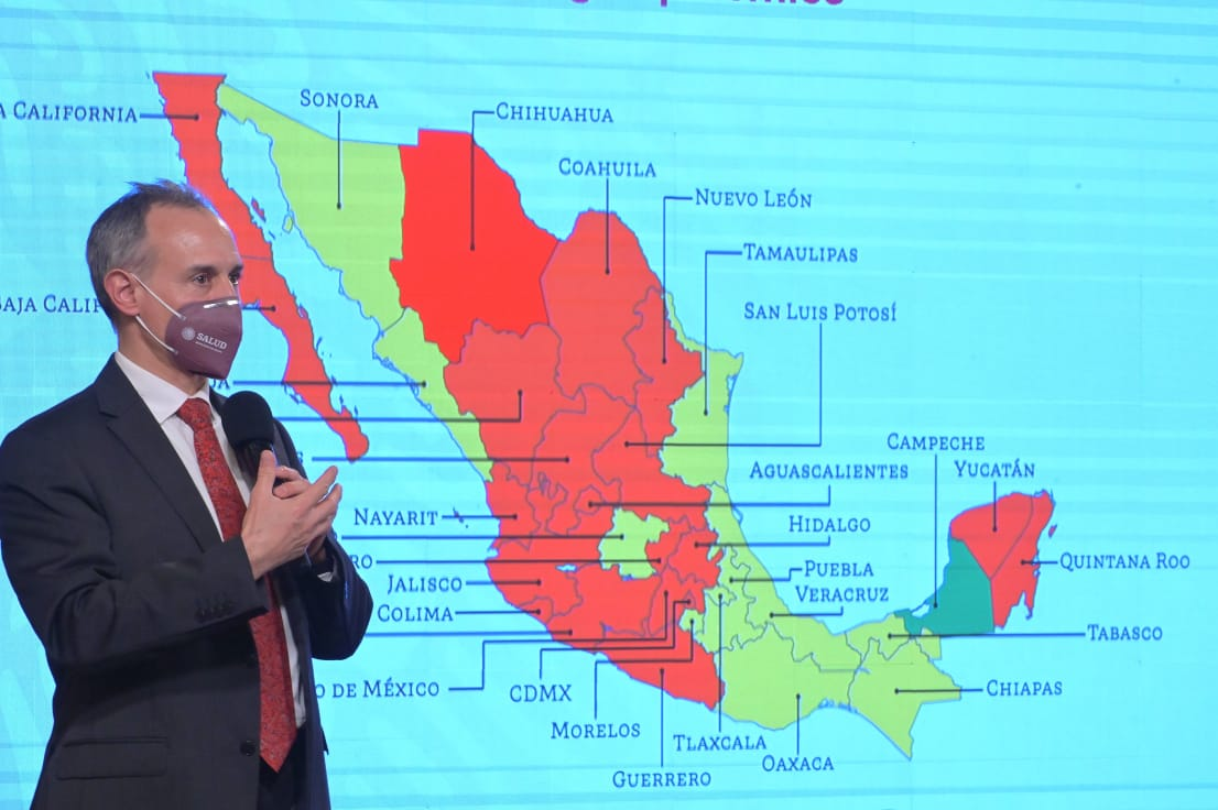 Dr. Hugo López Gatell, presentando el mapa epidemiológico.