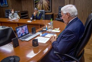 El Secretario de Agricultura en reunión virtual con autoridades de Guanajuato.
