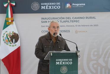 Durante la inauguración del camino a la cabecera municipal de San Mateo Tlapiltepec,  el titular de la SCT destacó que el estado de Oaxaca ha sido el semillero donde ha germinado el Programa de Pavimentación de Caminos de Acceso a Cabeceras Municipales.