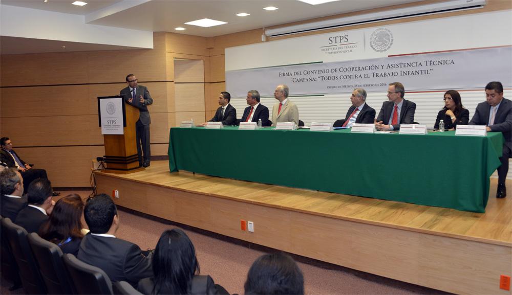 Firma del Convenio de Cooperacion y Asistencia Tecnica de la campa a Mexico sin Trabajo Infantil 5jpg