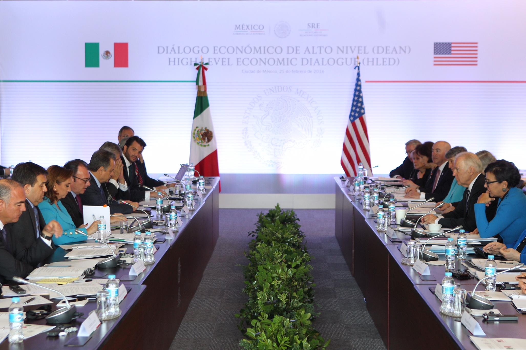 FOTO 4 Delegaciones de M xico y Estados Unidos en la reuni n del Di logo Econ mico de Alto Niveljpg