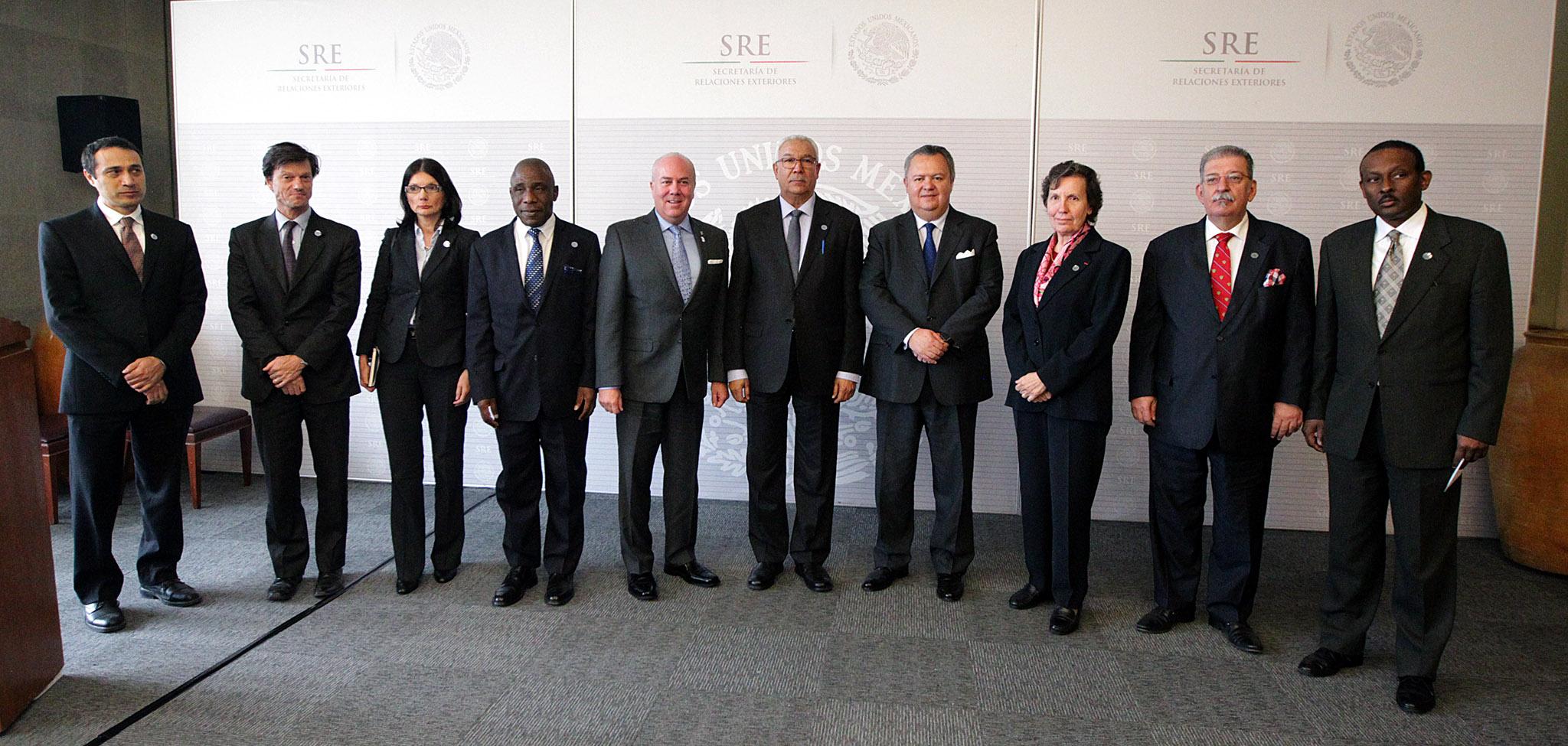 FOTO 1 Embajadores y representantes del cuerpo diplom tico anunciaron la Semana de la Francofon a 2016 en M xicojpg