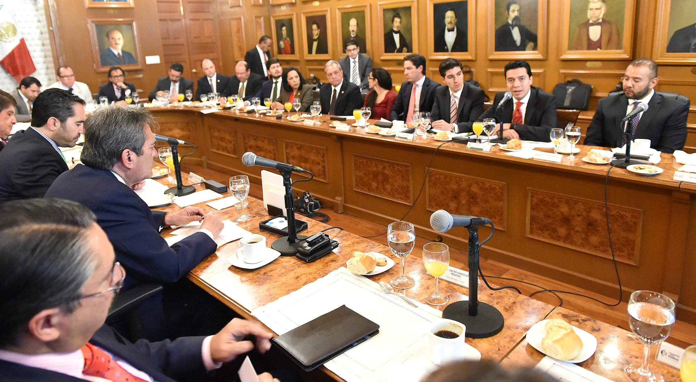 FOTO 1 Sedesol y gobierno de Aguascalientes impulsan estrategia para garantizar el desarrollo social y prosperidad en el estado.jpg