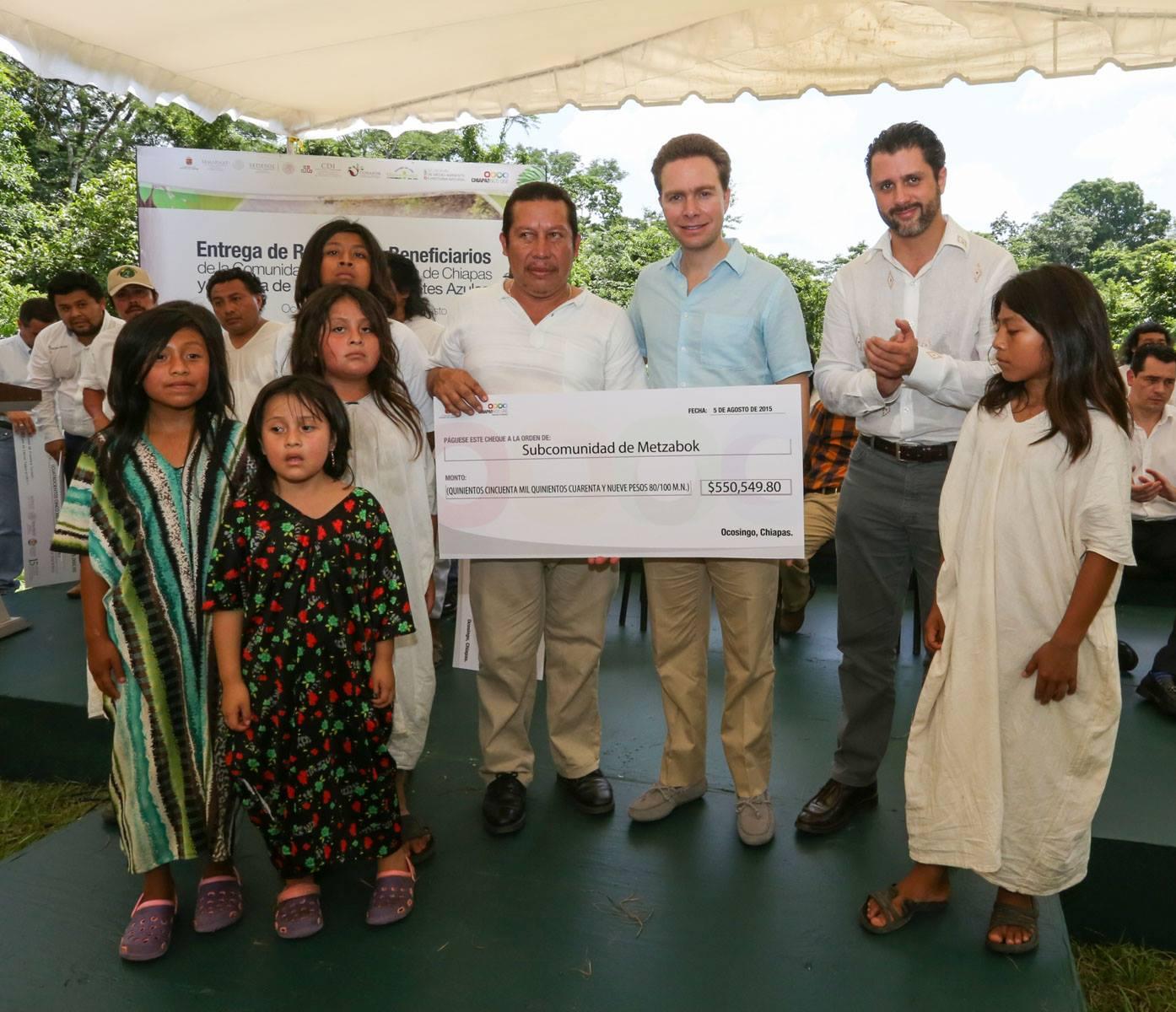 La CONANP y el Gobierno de Chiapas entregaron  ma s de seis millones de pesos comunidades de la Selva Lacandona. Foto Icoso.jpg