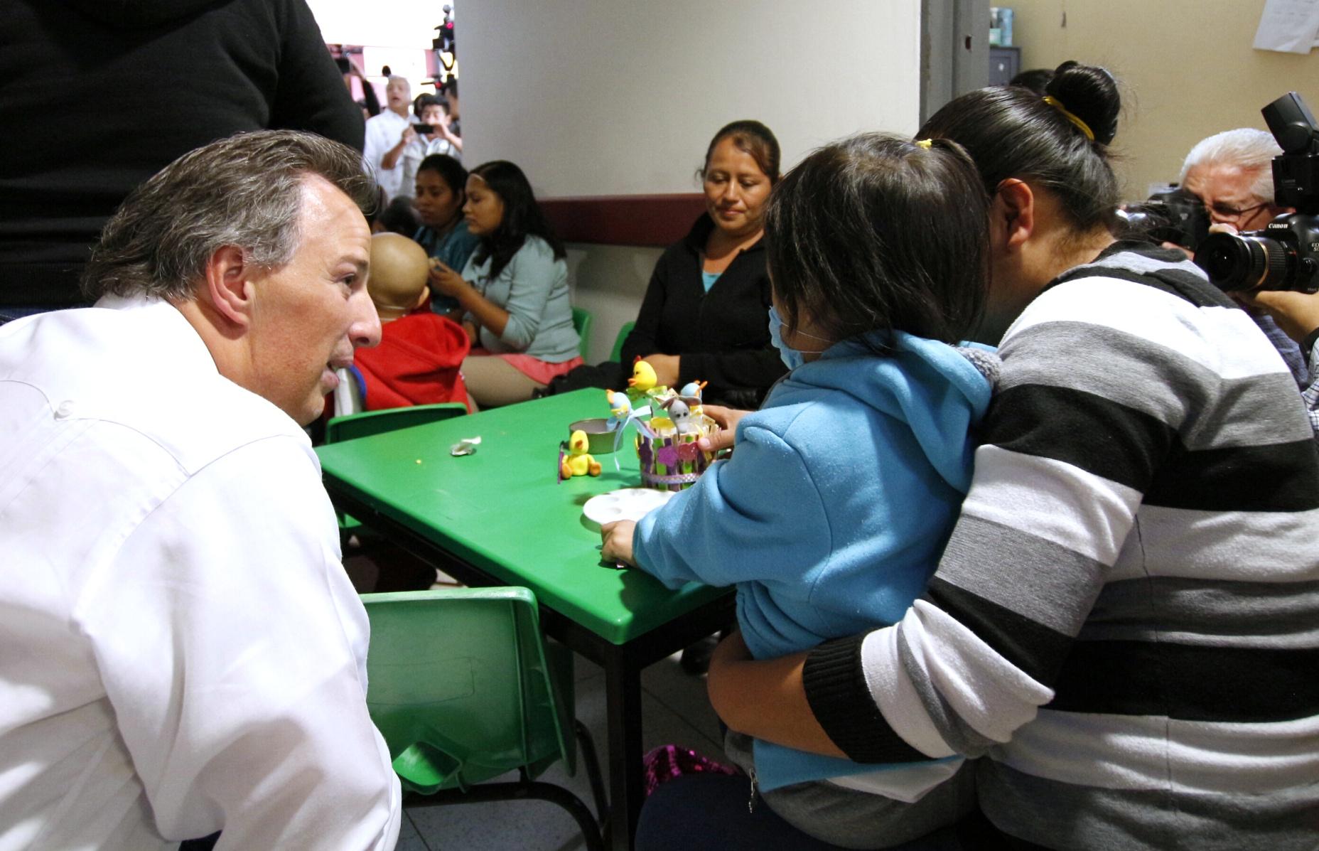 FOTO 1 El secretario de Desarrollo Social firm  en Veracruz  el Convenio Sedesol AIEVAC por un M xico sin Pobreza.jpg