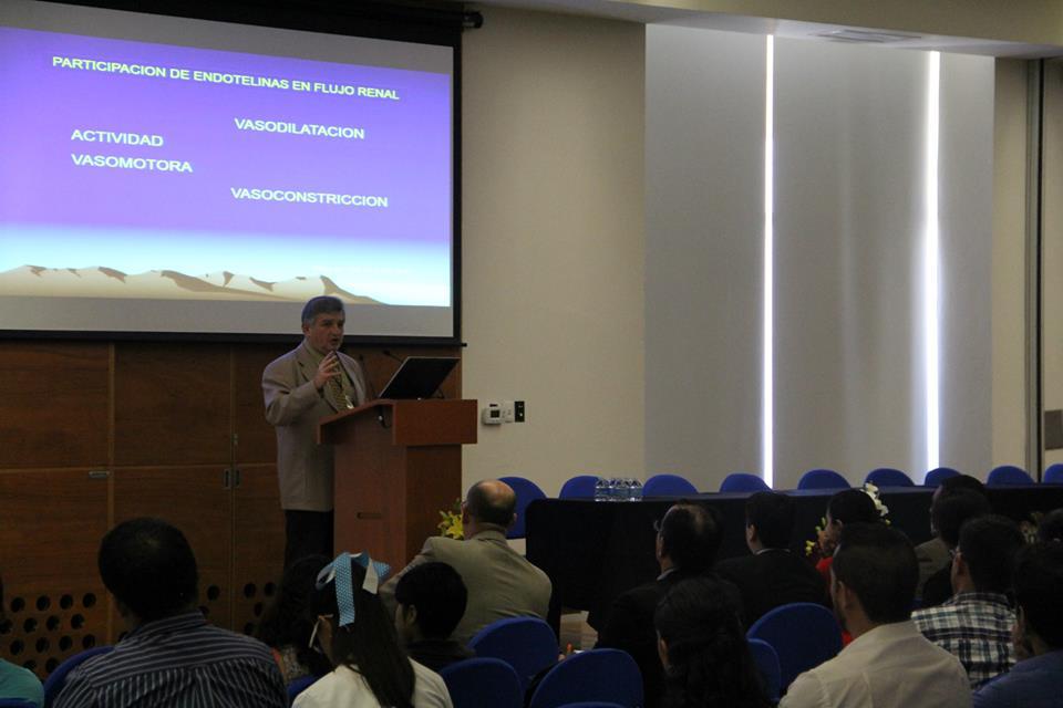 Doctor Manuel Díaz de León Ponce con el tema Metabolismo Hídrico y Función Renal en Microgravedad