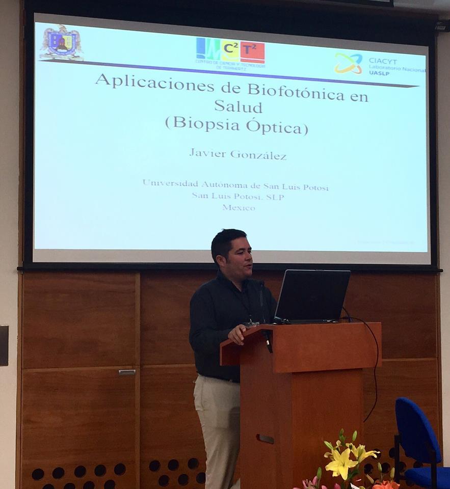 En este momento, Aplicaciones de Biofotónica en la Salud por el Doctor Fco. Javier González Contreras  http://www.aem.gob.mx/notas/congresoMexicanoMedicinaEspacial.html