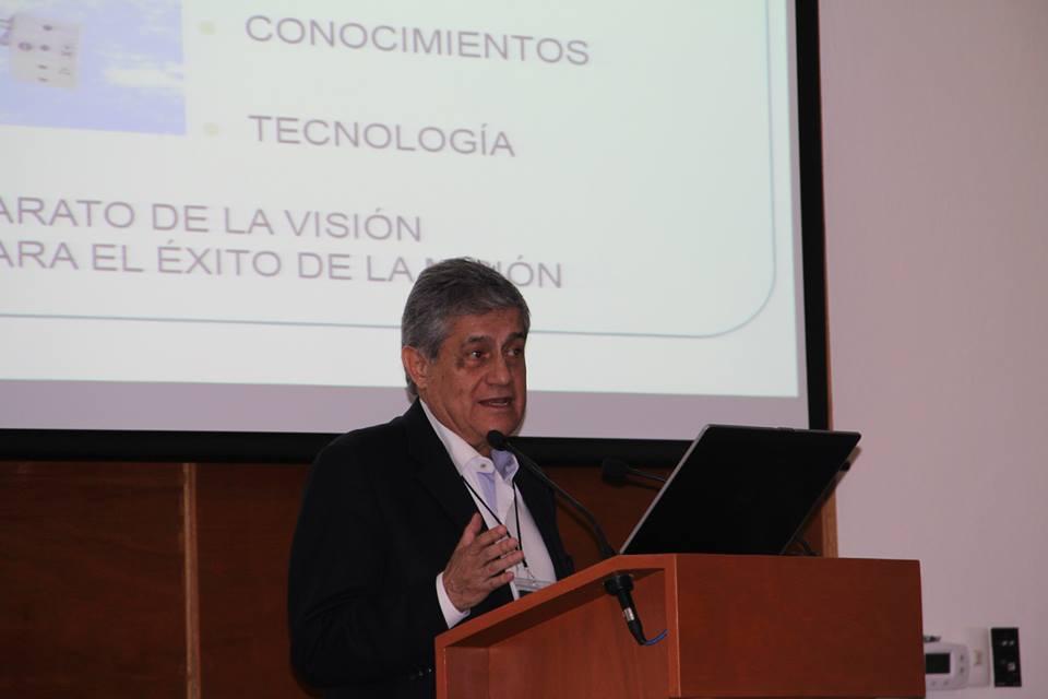 """Doctor José Adrián Rojas Dozal con el tema """"Adaptación ocular en el espacio""""   http://www.aem.gob.mx/notas/congresoMexicanoMedicinaEspacial.html"""
